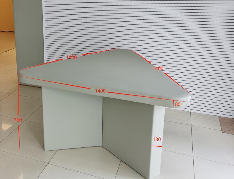 为什么纪委谈话室谈话桌设计是三角形的吗?